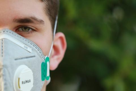 Эксперты назвали лучшую защитную маску от вируса