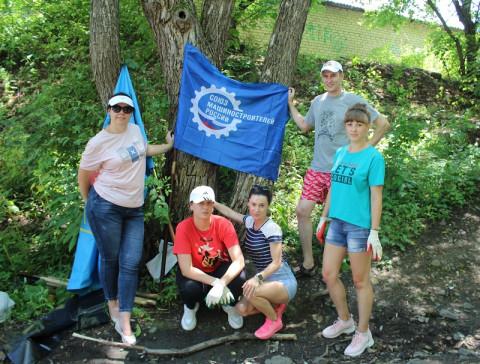 Чистым сделали берег реки в Приморье