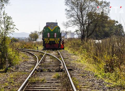 Легковушка протаранила поезд во Владивостоке