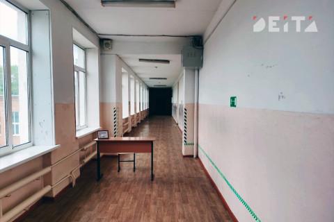 Очередную школу затопило ливнем во Владивостоке