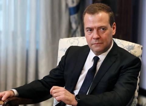 ЕР «поедают» изнутри: Медведев может нарваться на конфликт