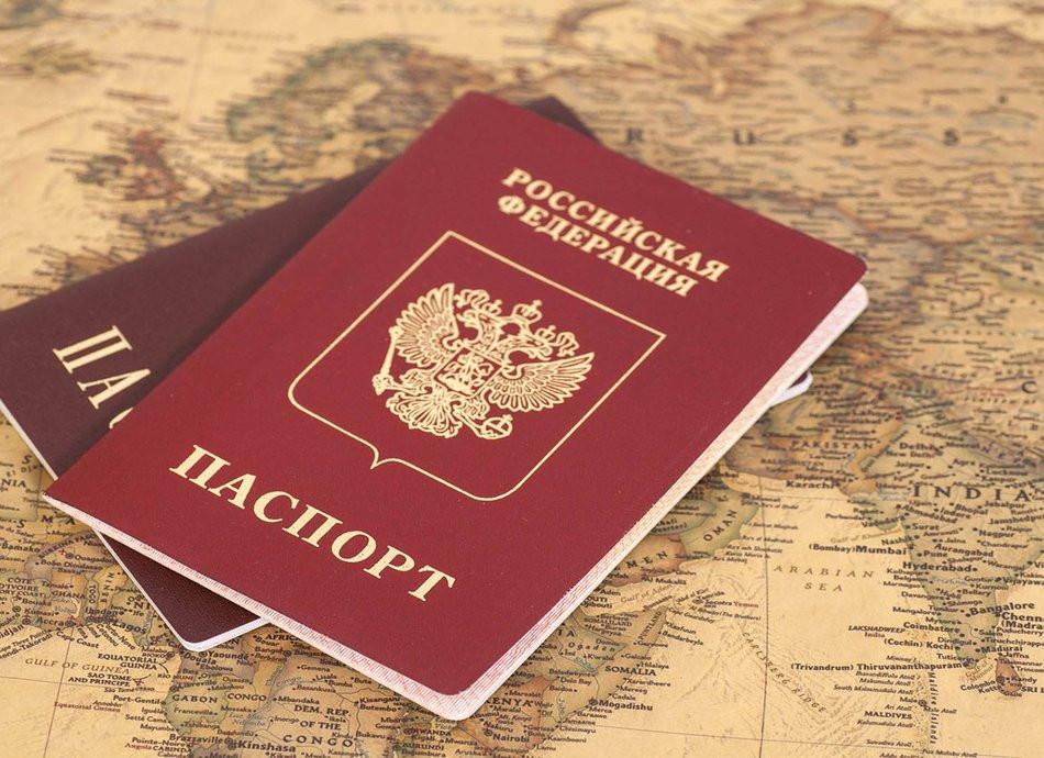 Назван срок введения ковид-паспортов для россиян