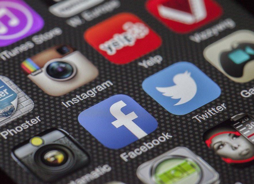 Самые опасные социальные сети назвали аналитики