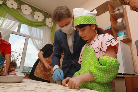 Губернатор Приморья навестил детей-сирот в Артеме
