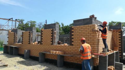 Наполовину построили будущий дом культуры в Надеждинском районе