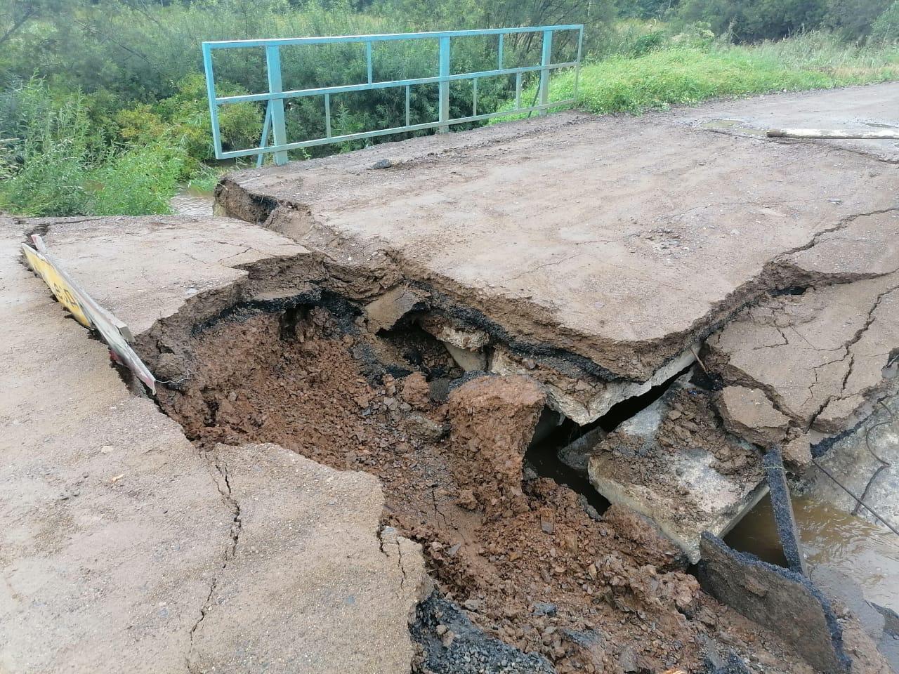 В Приморье обрушился мост