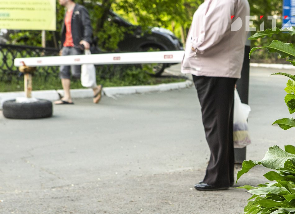 Россиян начнут штрафовать за шлагбаумы во дворах