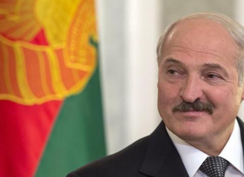 """Лукашенко меняет профессию: """"батька"""" вступил в ряды ОМОН"""