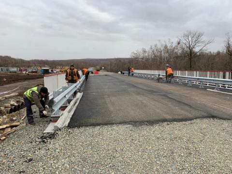 Под Уссурийском завершают строительство нового моста