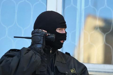 Силовики обыскивают дом бывшего мэра Владивостока Олега Гуменюка
