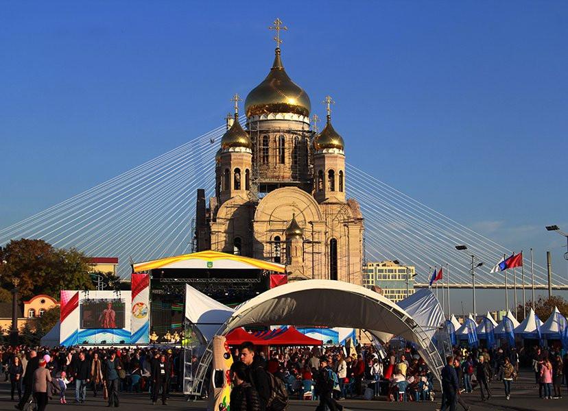 Передел: строитель собора задолжал строителю Золотого моста