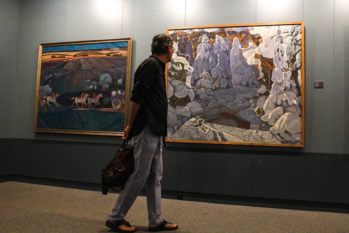 Выставка уникального художника Кима Коваля из Уссурийска открылась в Приморской картинной галерее