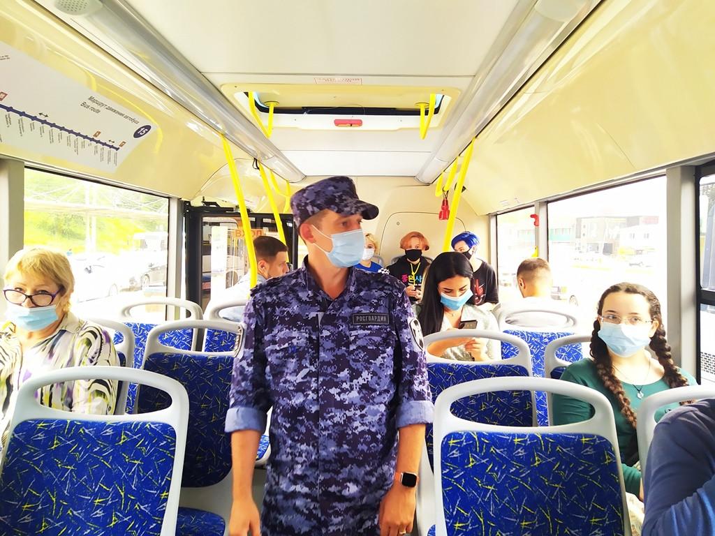 Ответственность водителей автобусов проверили во Владивостоке