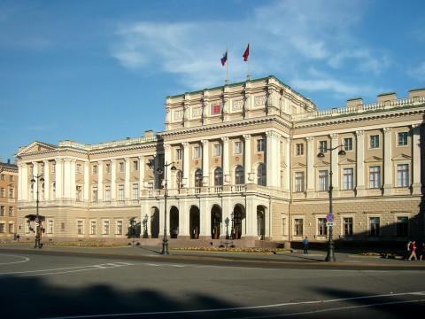 Петербург оказался самым популярным направлением для туристов с «кешбэком»