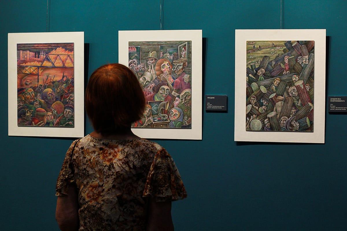 Цветные сны можно видеть на новой выставке Юрия Аксёнова