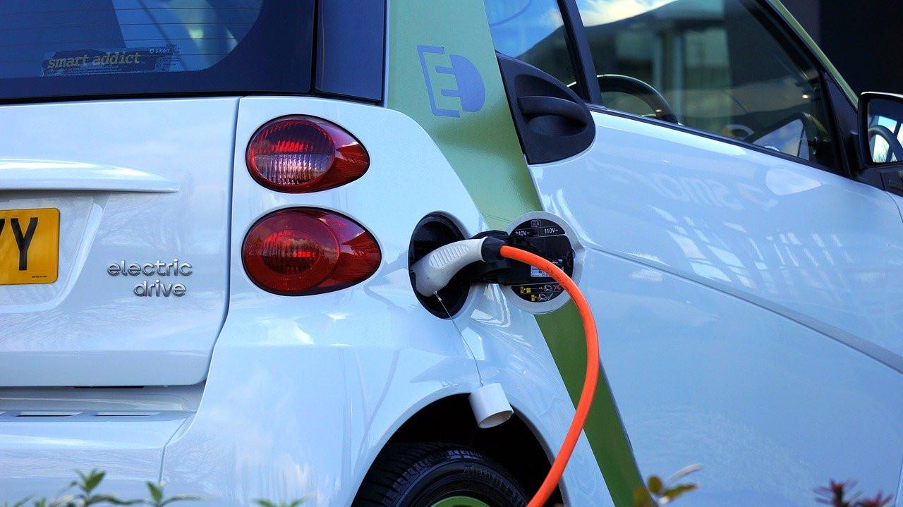Дальневосточный губернатор хочет запретить бензиновые и дизельные авто
