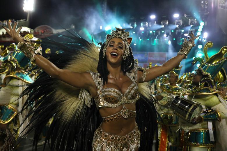 Коронавирус с нами надолго: Бразилия отменила карнавал-2021
