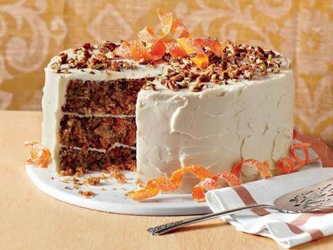 Морковный торт для украшения стола